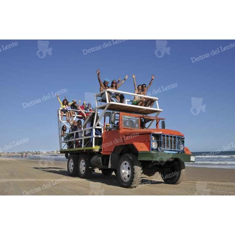 Cabo Polonio camiones por los medanos